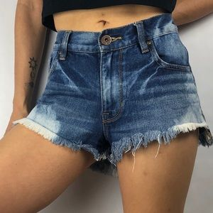 🌻Bullhead distressed denim high waisted shorts